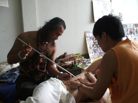 Ajarn Ord tattooing