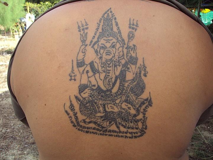 Sak yant thai temple tattoos yant pra pikanes for Sak yant tattoo rules