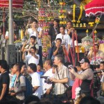 Crowds during the Master Day Ceremony at Wat bang Pra